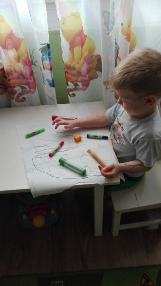 Do rysowania używamy również kolorowych mazaków