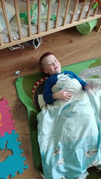 kołderka obciążeniowa- układ proprioceptywny czucie głębokie