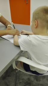 Precyzja ręki, szkoda że lewej Adaś w wyniku porażenia stał się osobą leworęczną
