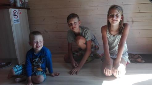 Adaś wraz z kuzynem Dawidem oraz z kuzynką Karolinką :) słoneczka moje :*