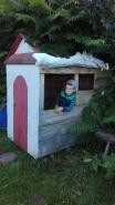 Drewniany domek zbudowany przez dziadka Janka