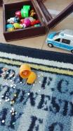 Adaś wymyślił że to jedzonko dla ptaszków- abstrakcja to dobry znak :)