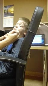 zajecia-neurologopedyczne-masaz-twarzy