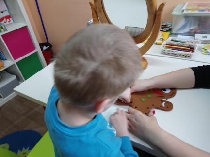 Ćwiczenia usprawniające manualnie dłonie